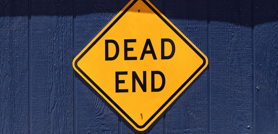 Dead end sign to signify that the usefulness of inbound marketing is coming to an end