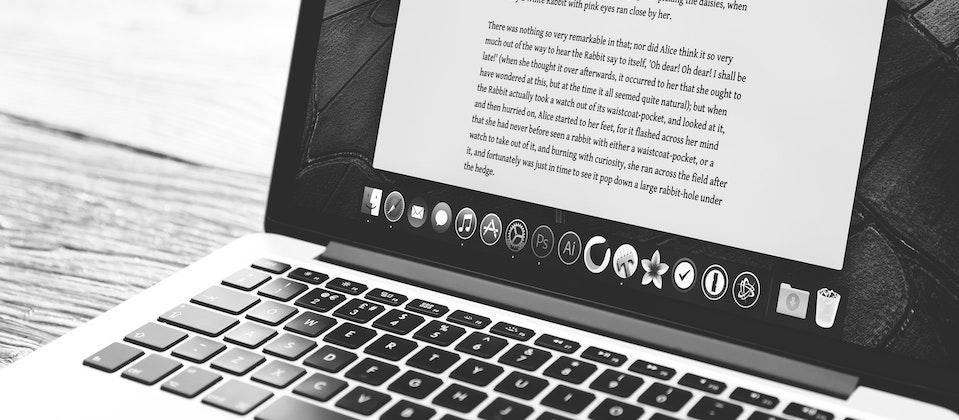what does a digital copywriter do